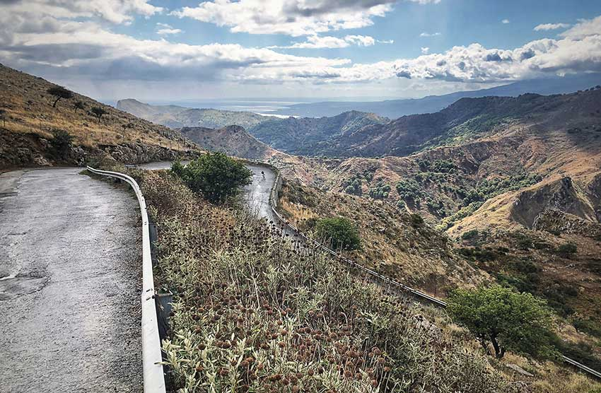 Bikerider-on-the-slopes-in-Sicily