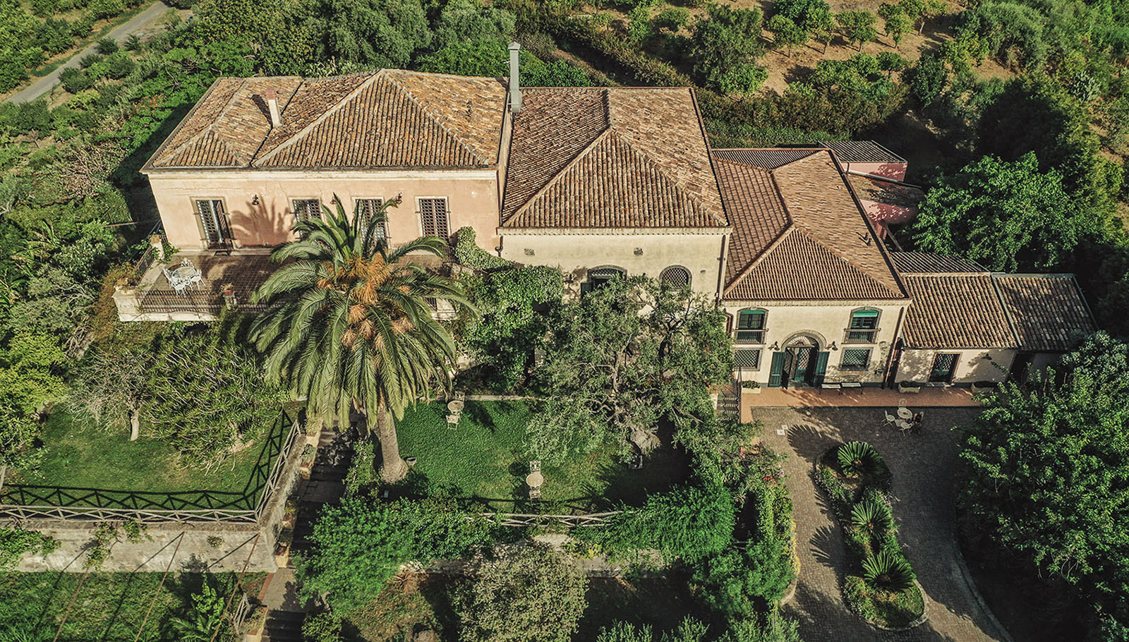 hotel-in-sicily-from-above