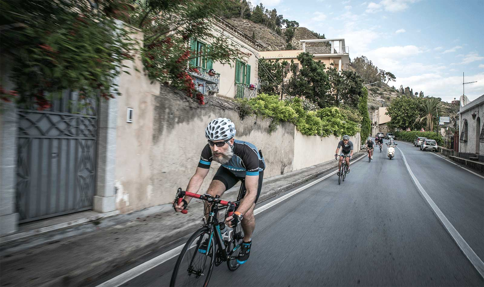 Soeren-leads-the-group-down-from-Taormina