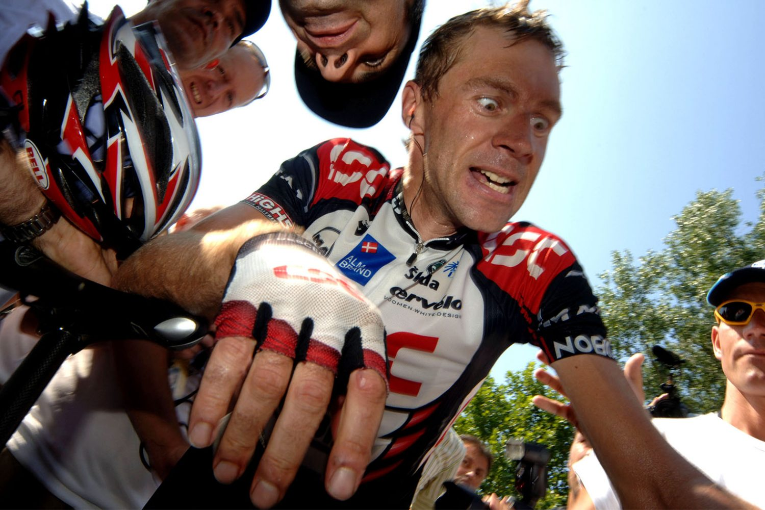 Jens Voigt shows emotion after winning a stage in the Tour de France 2006