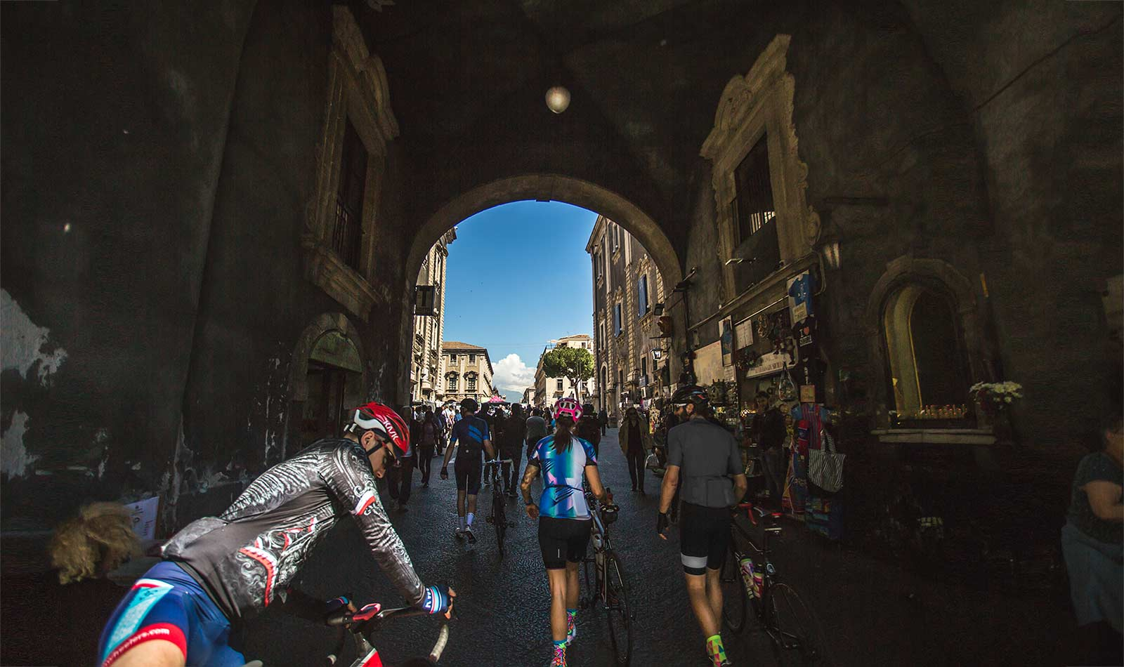 Arriving-at-the-start-of-the-GirodItalia-in-Catania-bred