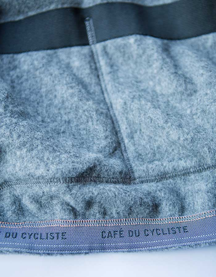 inside-back-pocket-on-cafe-du-cycliste-jacket