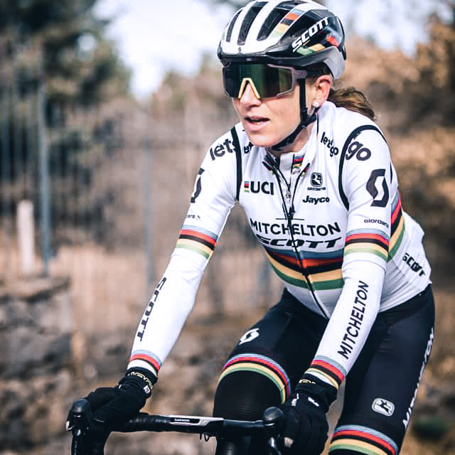 World Champion Van Vleuten rides in autumn colors in Sicily