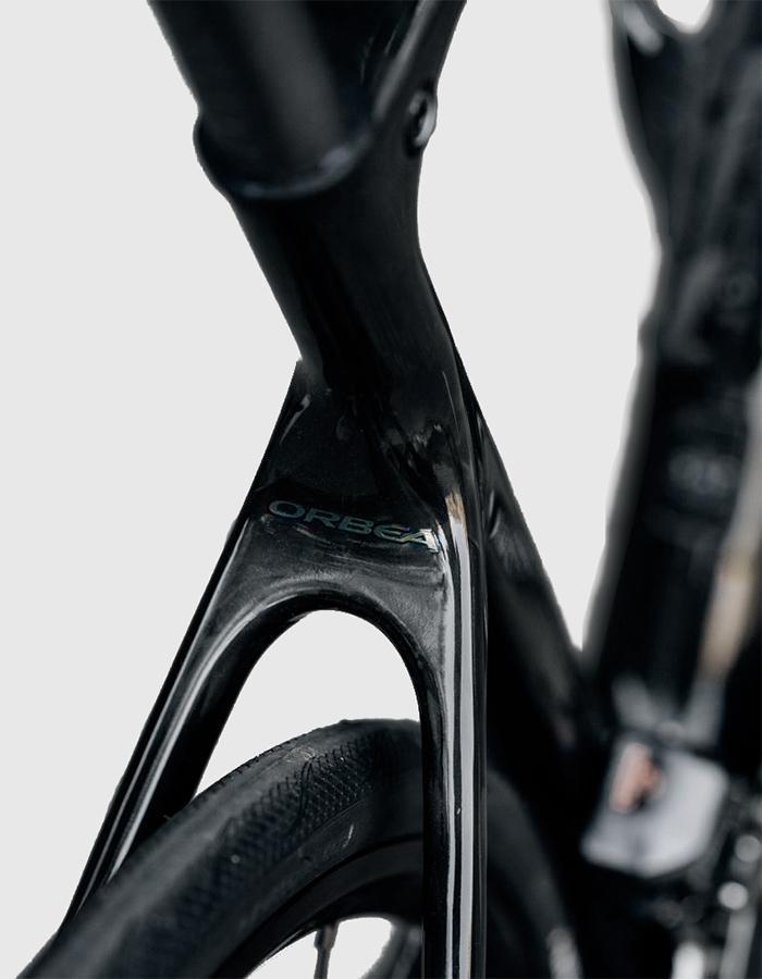 Orbea Orca detail logo - Racing bikes of 2021